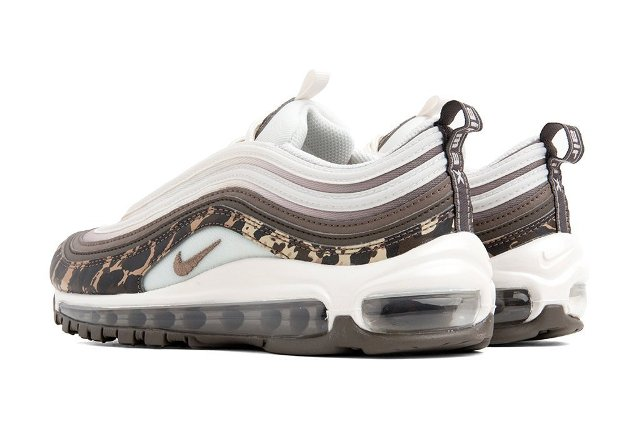 Під час київського марафону помер один з бігунів - image Nike_Women_s_Air_Max_97_Premium_-_Ridgerock-Mink_Brown-Desert_Dust-Phantom-917646-201-0201-October_10_2018 on https://kyivtime.co.ua